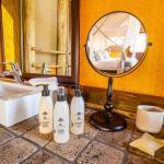 Simple Yet Luxurious Bathrooms
