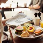 Frukost är det viktigaste målet på dagen. Hos oss serveras stor ekologisk frukostbuffé som passa