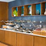 Enjoy a Complimentary Breakfast Buffet at SpringHill Suites by Marriott Wisconsin Dells