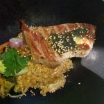 Steak de thon mi cuit risotto et café gourmand