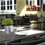 Viagusta Reisen - Gourmets unterwegs : Terrasse vor Alexander Herrmann`s Romantik Posthotel