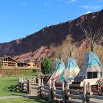 Red Cliffs Lodge
