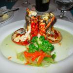 Un bon repas de langoustes au resto La Brisa du Beach