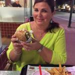 Foto The Habit Burger Grill