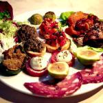 Настоящий Тосканский ресторан с итальянской кухней . Оччччень достойное заведение . Полное соотв