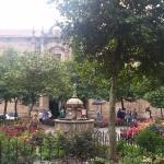 Plaza donde se ubica la pensión