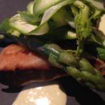 Croustillant de pied de porc et asperges