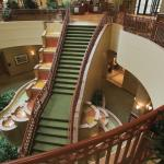Welcome to the Embassy Suites St. Louis–St. Charles/Hotel & Spa