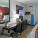 DELUXE 2 QUEEN BEDS NON-SMOKING with Free WiFi, Flat Screen TV, Microwave & Refrigerator, Hairdr