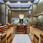 Lobby, Tables