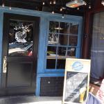 Front Door vis-a-vis