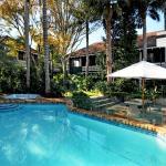 Emerald Inn swimming pool