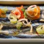 Die marinierten Sardinen escarbeche sind schwierig mit Wein zu kombinieren