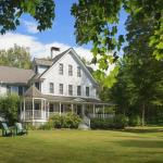 Summer at Maple Leaf Inn