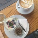 Foto de Original Coffee Trianglen