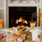 Breakfast room with fire