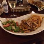 Foto de Dharma Beach Restaurant