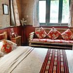 Farmhouse Queen Room - Yangshuo Village Inn