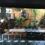 Excelente café, comida, lugar y anfitriones
