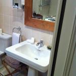 Salle de bains spacieuse avec haut confort