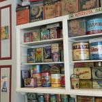Il piacevole arredamento vintage di Oineas