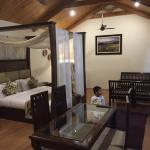 Interior - Lemon Tree Hotel, Srinagar Photo
