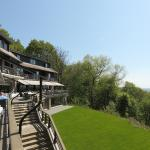 When the weather is fine, one can have its lunch on the terraces of Hostellerie Mont Kemmel.