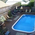 Swimming pool & sun deck