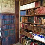 Get the room with the Library in it - the are original 300 year old books in it for your reading