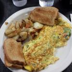 Western Omelet w/ home fries and toast