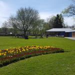 Short stroll to Memorial Gardens.