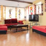 Duplex 2 ensuite bedroom apartment with 2 living rooms and American bar