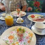 heerlijk ontbijt met vers sap