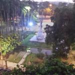 vista da praça em frente ao hote