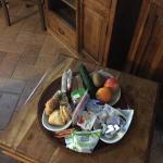 La suite matrimoniale e l'abbondante colazione