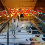 Bajando las escaleras desde el Casino