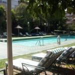 Magnífico hotel, céntrico y con pileta, parque y gazebos para disfrutar en días de calor que abu