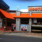 Hooters Party Center Foto