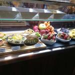 κρύα σάντουιτς, φρούτα και λαχανικά για χυμούς