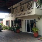 Altamont Court Hotel Kingston Photo
