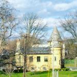 Curwood Castle Photo