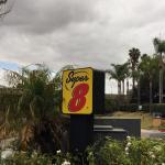 Photo de Super 8 San Diego Hotel Circle