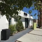 POSH Palm Springs Inn Streetside