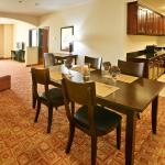 Foto de Holiday Inn Express & Suites Denison North-Lake Texoma