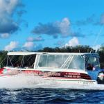 Luxury boat cruise to Island