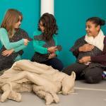 Kinderen in de tentoonstelling Welkom Thuis