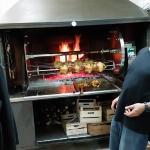 il forno del ristorante spettacolare vedere i polli che girano