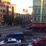 Вид из окна номера на одну из достопримечательностей Сан-Франциско
