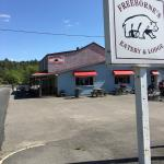 Freeborne's Eatery & Lodge Foto