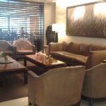 Area de descanso en el lobby